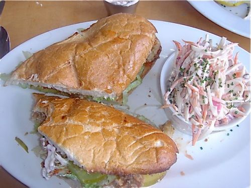 marys-oysters-po-boy