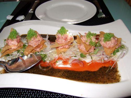 chin-tuna