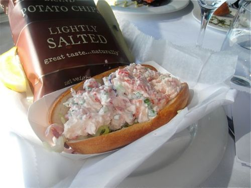 lobster roll at lobster