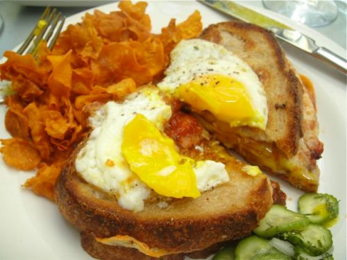 Sandwich at tavern