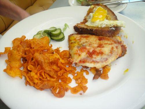 Sandwich at tavern1