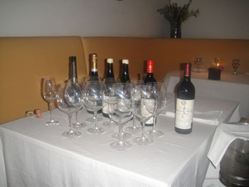 Gran- wine table
